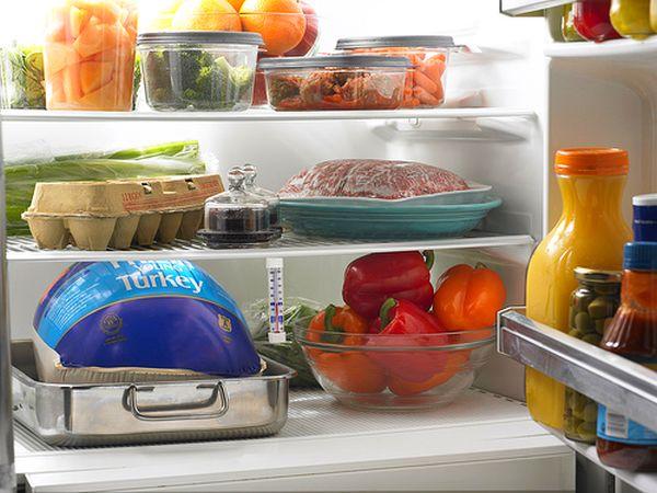8 способов быстро удалить неприятные запахи из холодильника