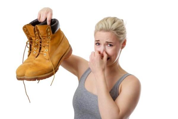 вонь от ботинок