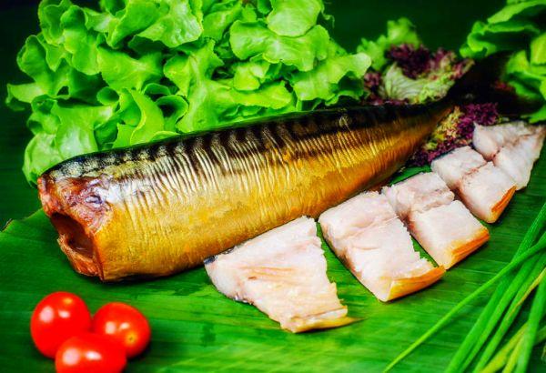 Запах копченой рыбы выводится сложнее других
